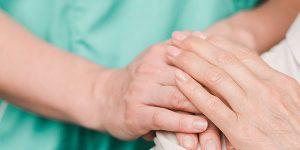 ¿Qué es el acompañamiento a enfermos en hospitales?
